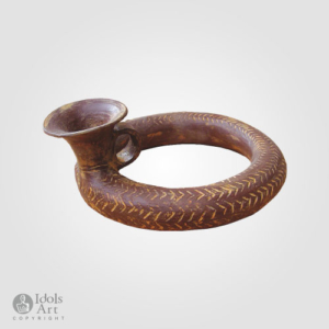 M53-vase-in-the-form-of-a-snake